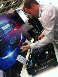 Chris Norton Pioneer CDJ2000s